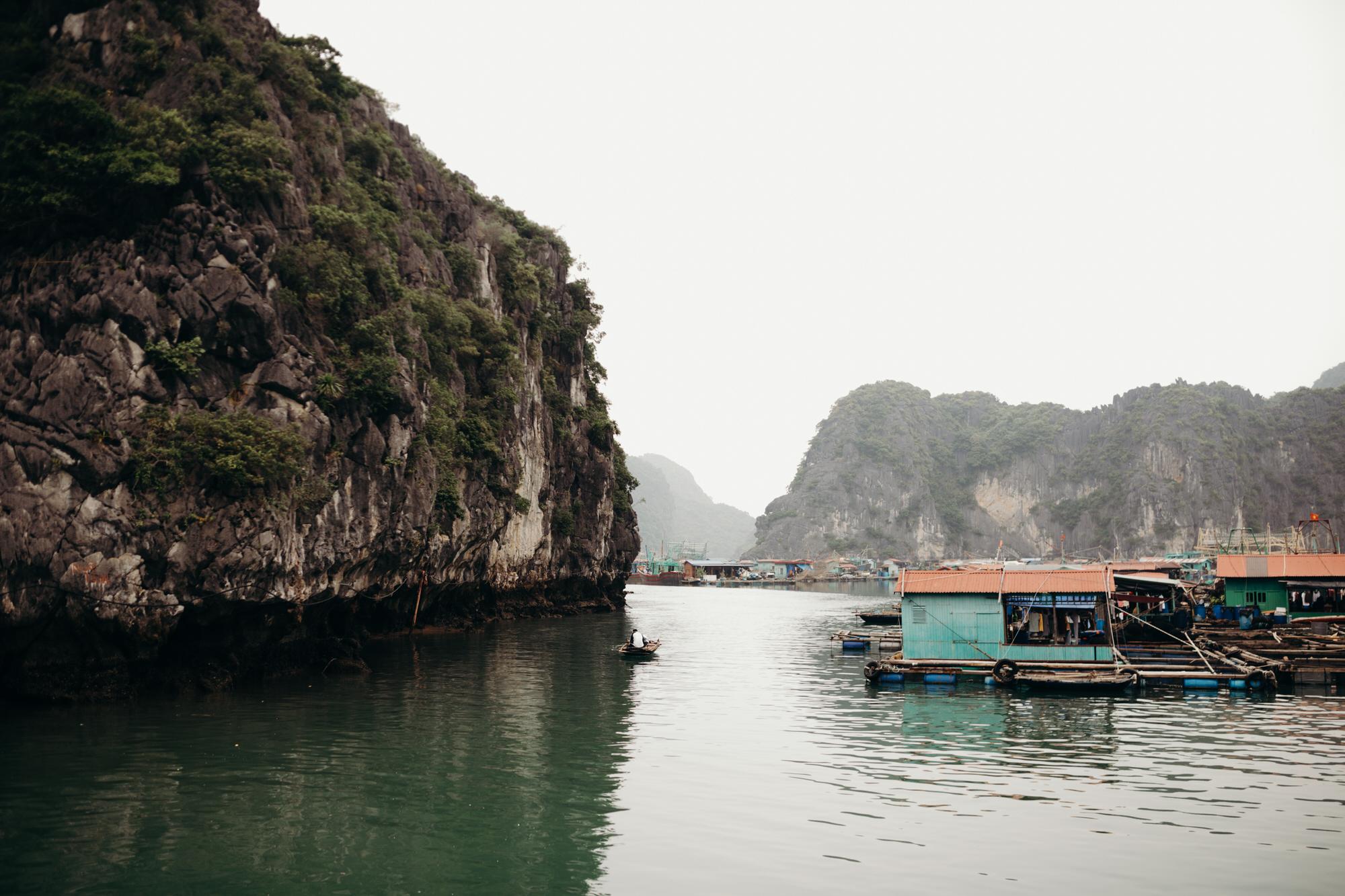 halongbayfishingvillagetravel.jpg