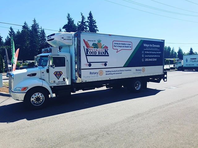 Puyallup Food Bank truck is ready to keep on delivering food to families in need. @puyallupsouthhillrotary @rotaryinternational #signdog