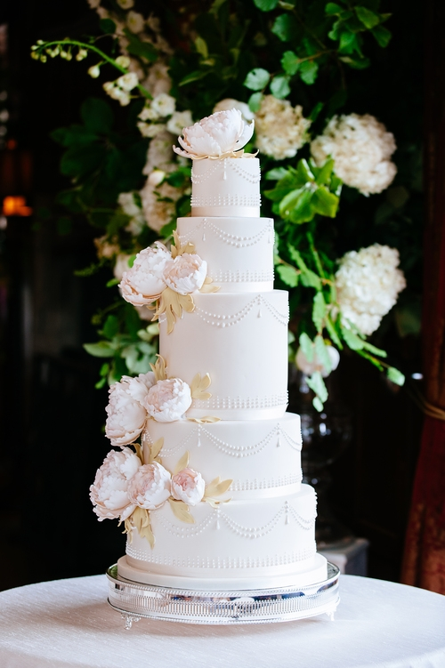 Five tier weding cake with flower decoration .JPG