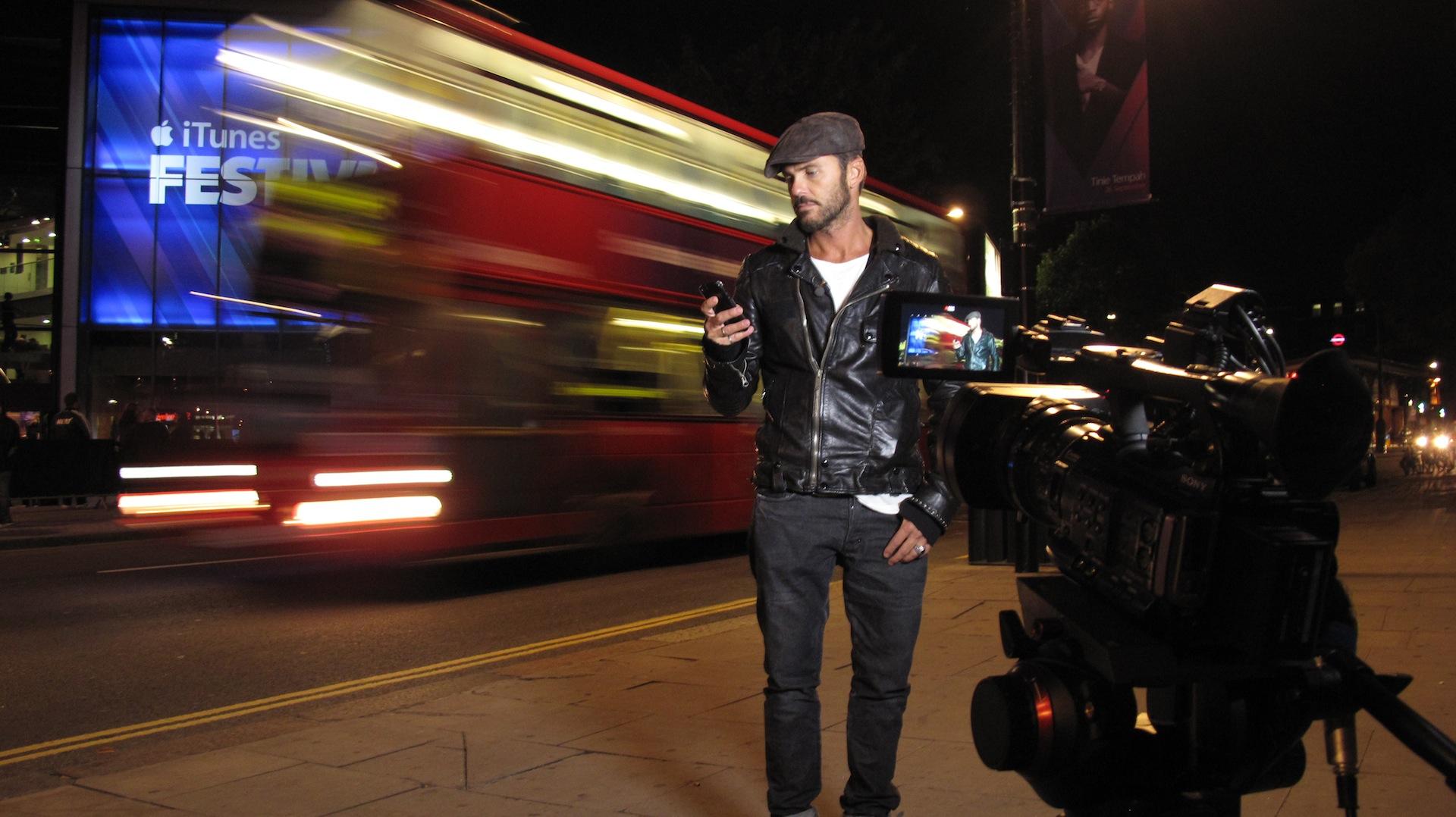 Tommy Vee London Bus.JPG