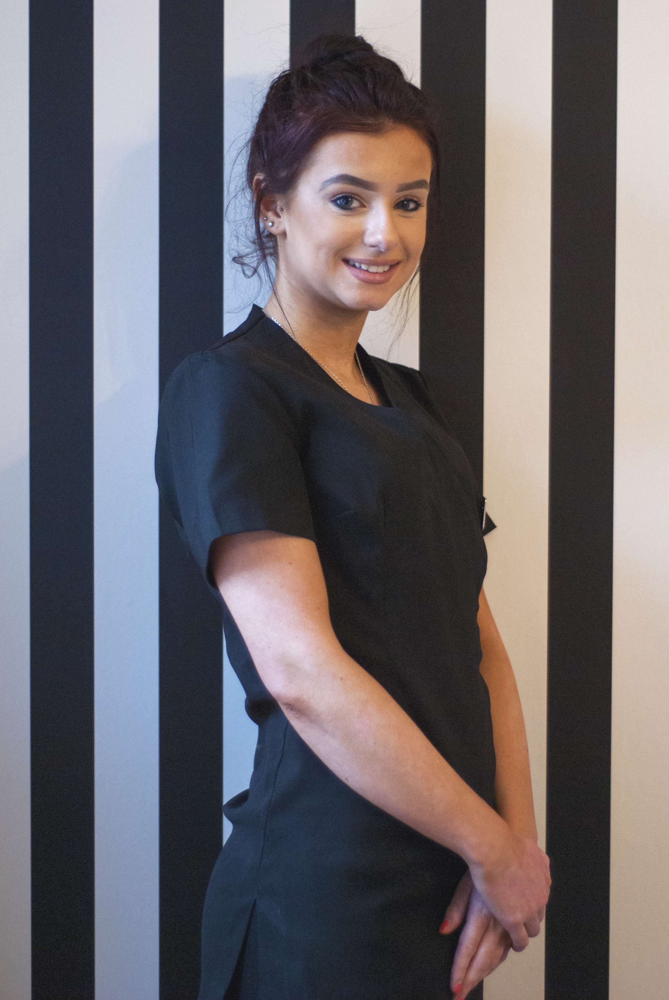 - Hi I'm Jess, Its correct I do love abit of Whitney! Who doesn't anyway I like to think I'm a kind caring person I always make sure I'm giving my hardest efforts to my clients and meeting all there needs so they are happy. That's what I love about my job making the clients happy and feel good about them selves, I always knew since I was little that I wanted to do beauty I started teaching myself and even opened my own little top of the range