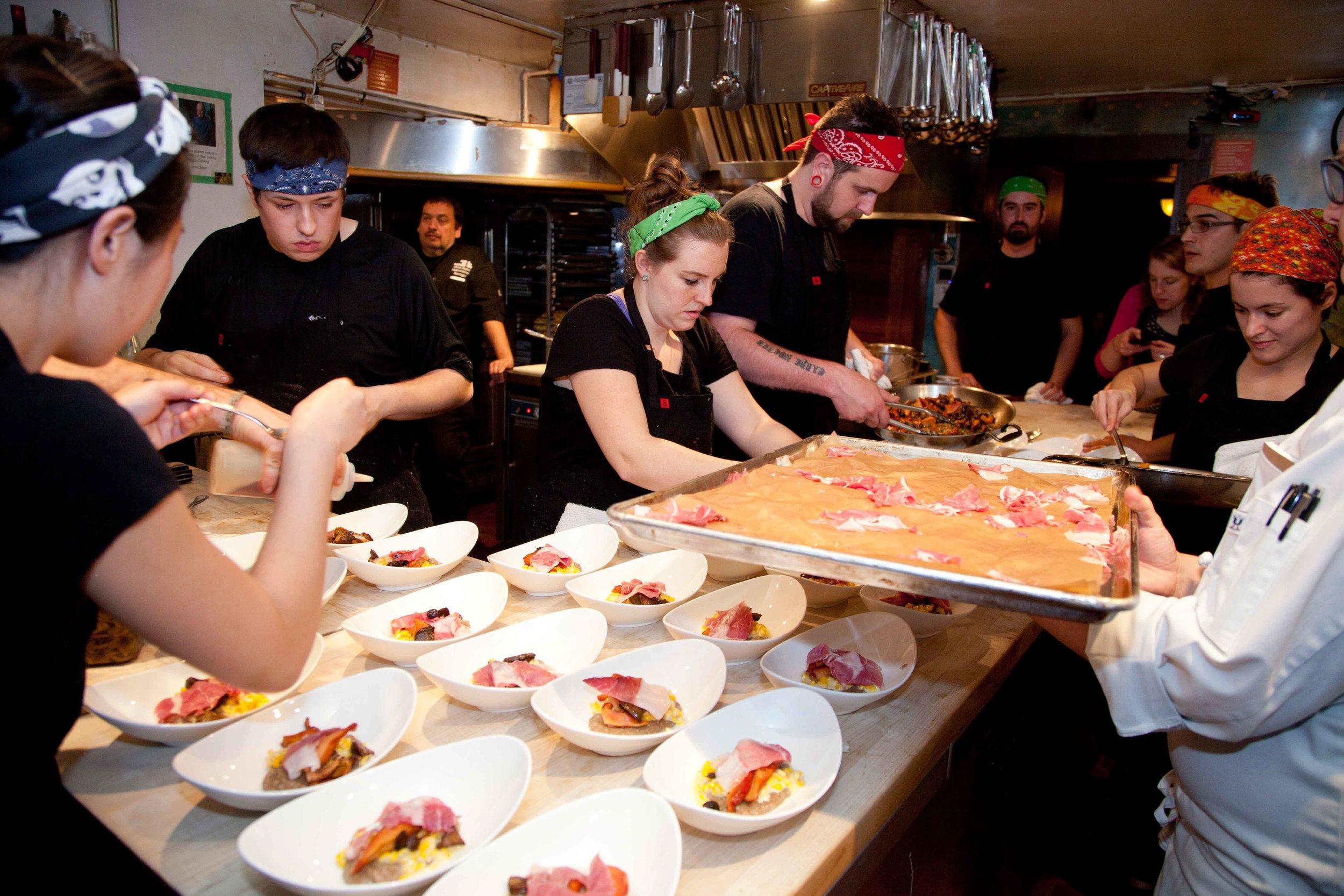 JBF-10-26-2016-Chefs-in-the-Kitchen-16.jpg