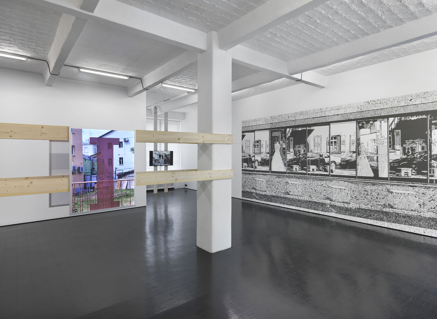 John Miller, Primary Structures, (2017). Courtesy: the artist and Galerie Barbara Weiss, Berlin