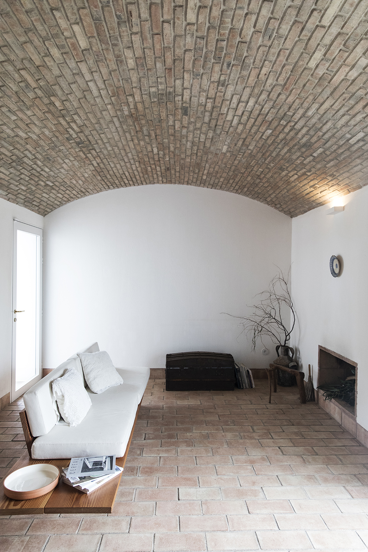 Sunday-Sanctuary-Architecture-Portugal-Olhao-Algave-Casa-Modesta-Oracle-Fox-Amanda-Shadforth-6.jpg
