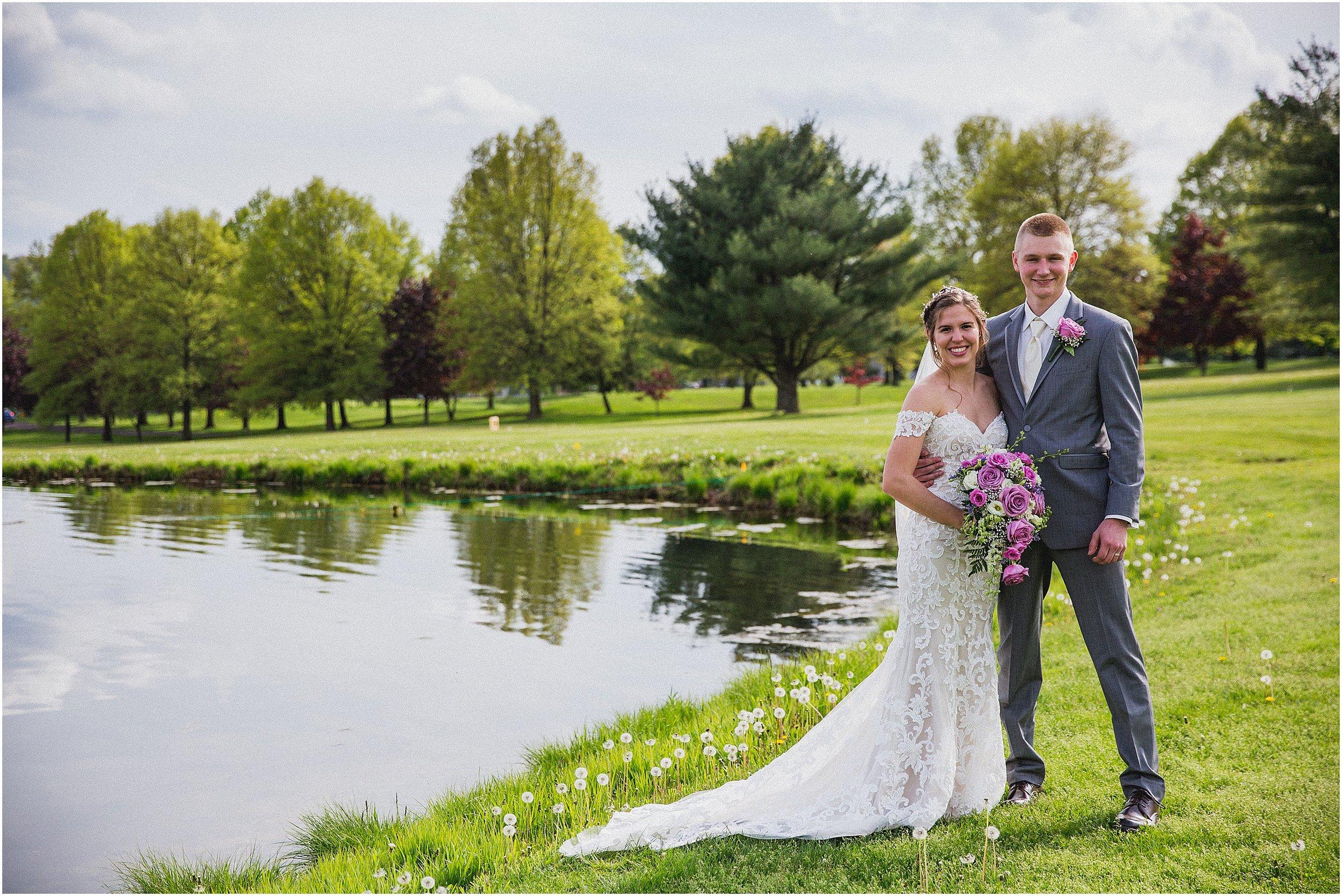 Frosty_Valley_Wedding_Photographer_0350.jpg