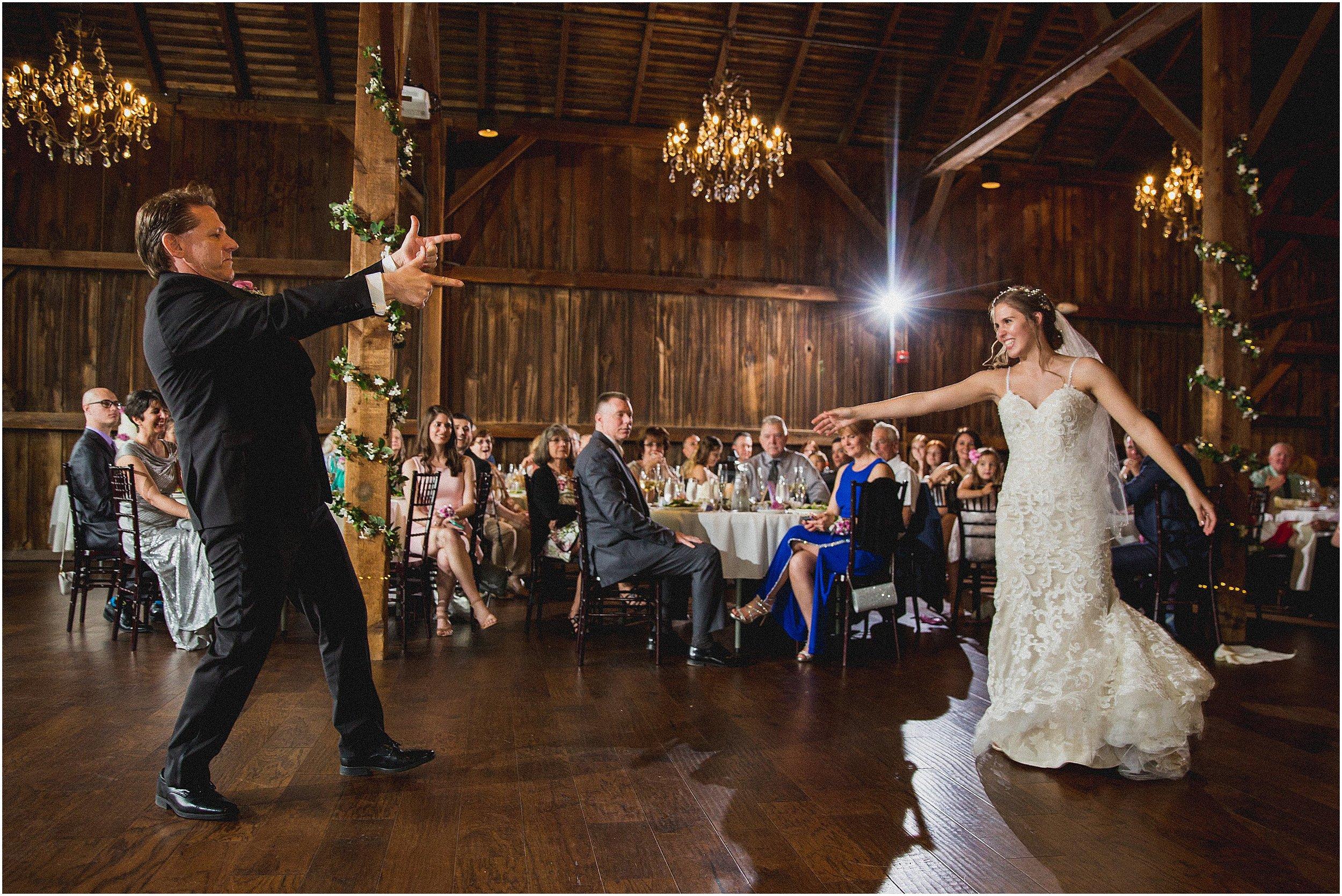 Frosty_Valley_Wedding_Photographer_0366.jpg