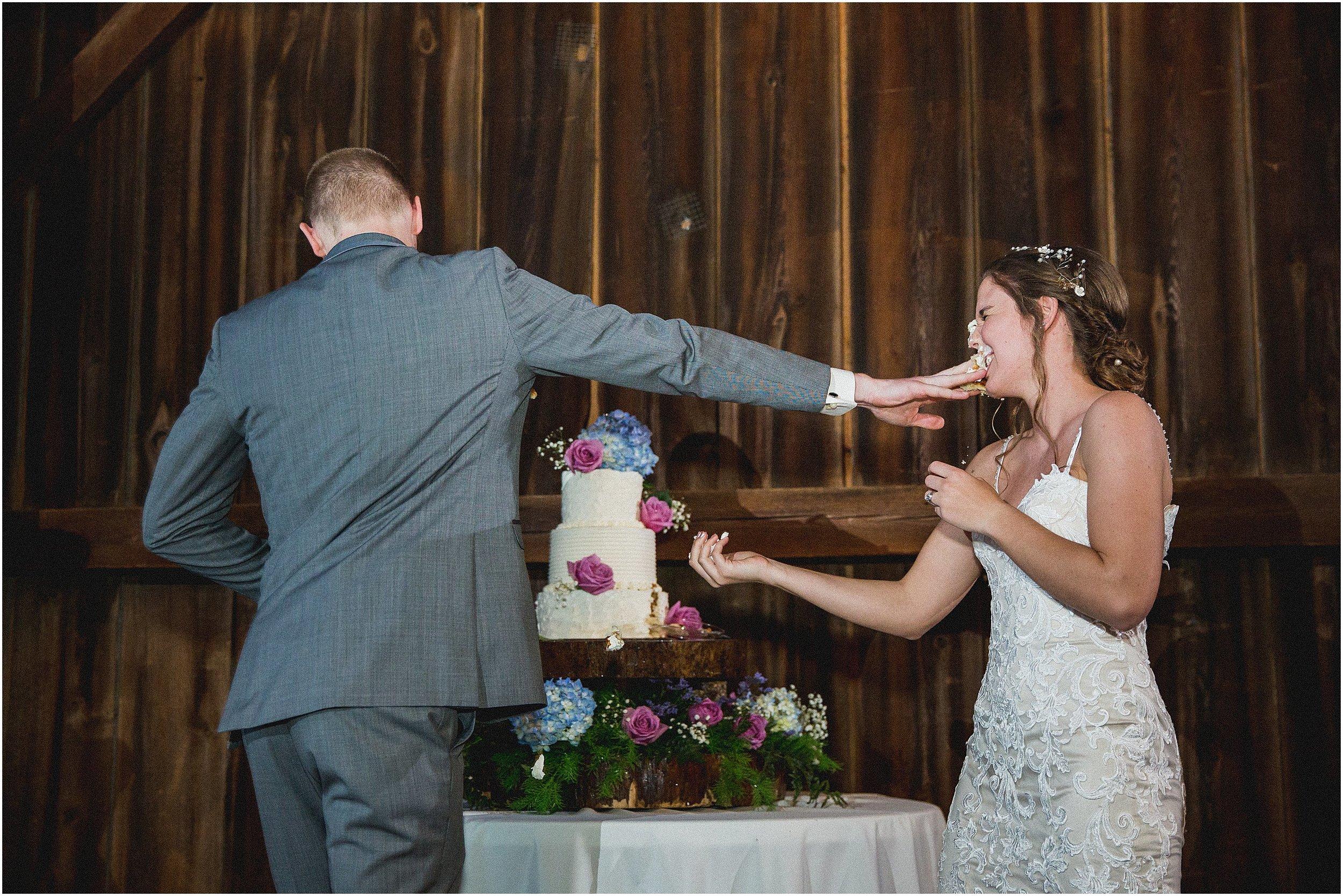 Frosty_Valley_Wedding_Photographer_0385.jpg