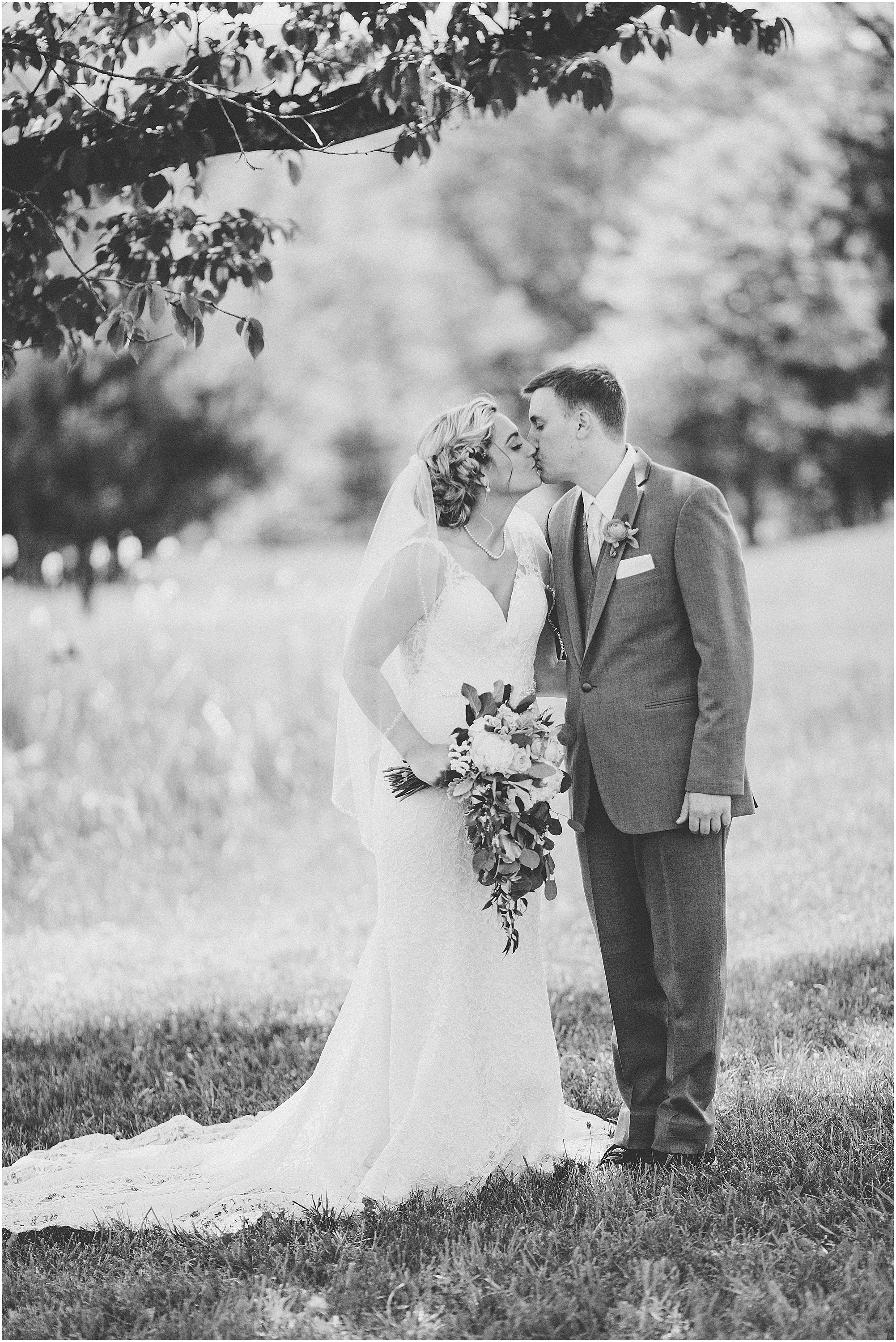 Whispering_Oaks_Wedding_Photographer_0456.jpg