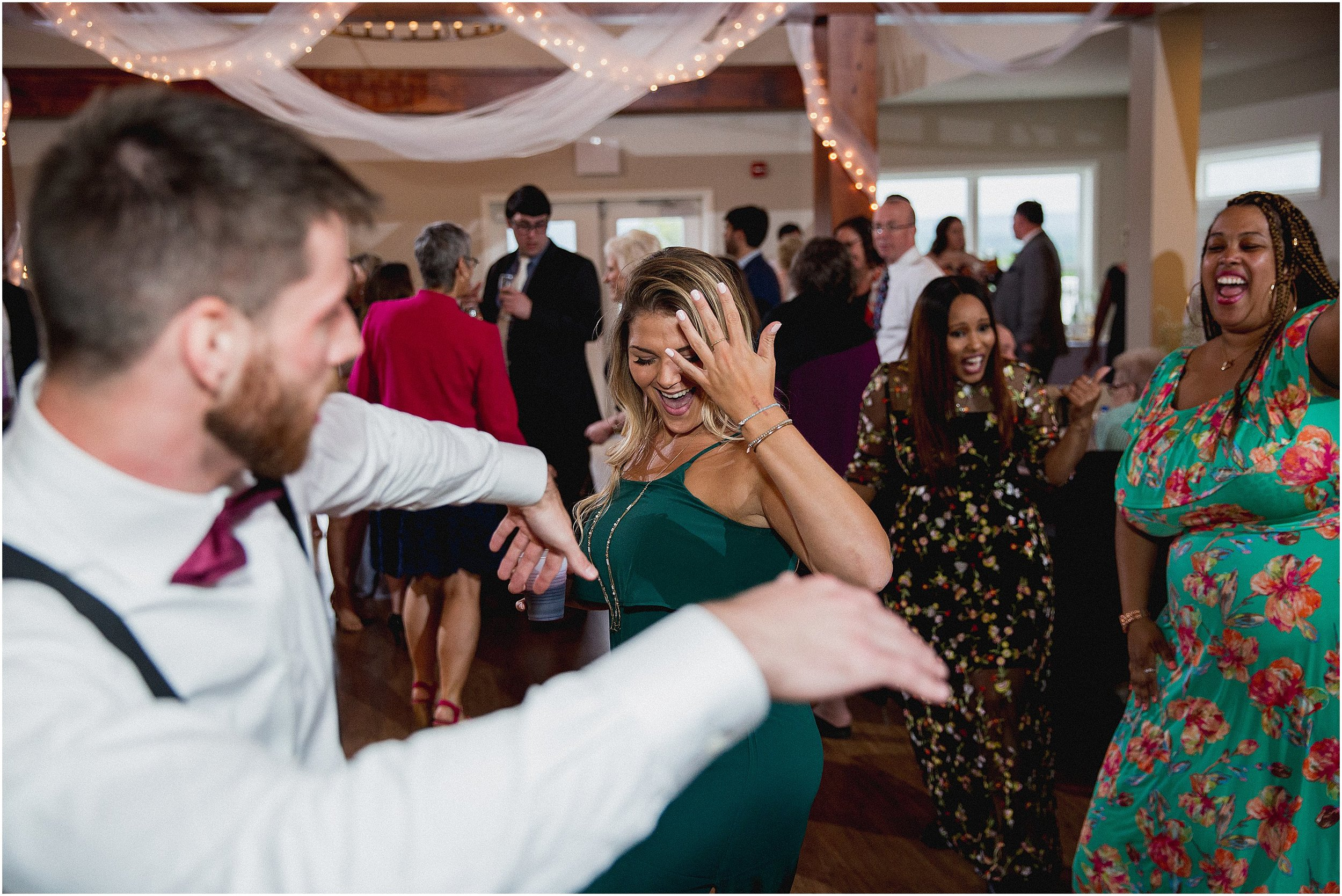 Whispering_Oaks_Wedding_Photographer_0489.jpg