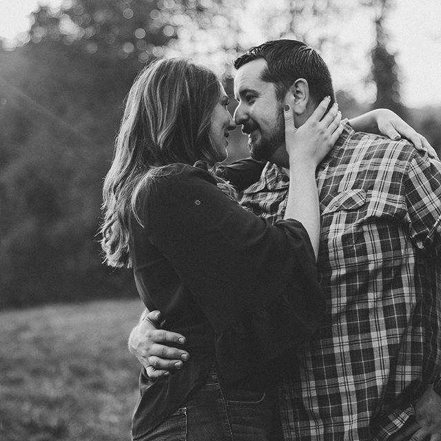 Fall engagement sessions are everything!!! #blackandwhite #loveauthentic #engagementphotos #pennsylvania #pennsylvaniaphotographer #weddingphotographer #hermanandlutherswedding