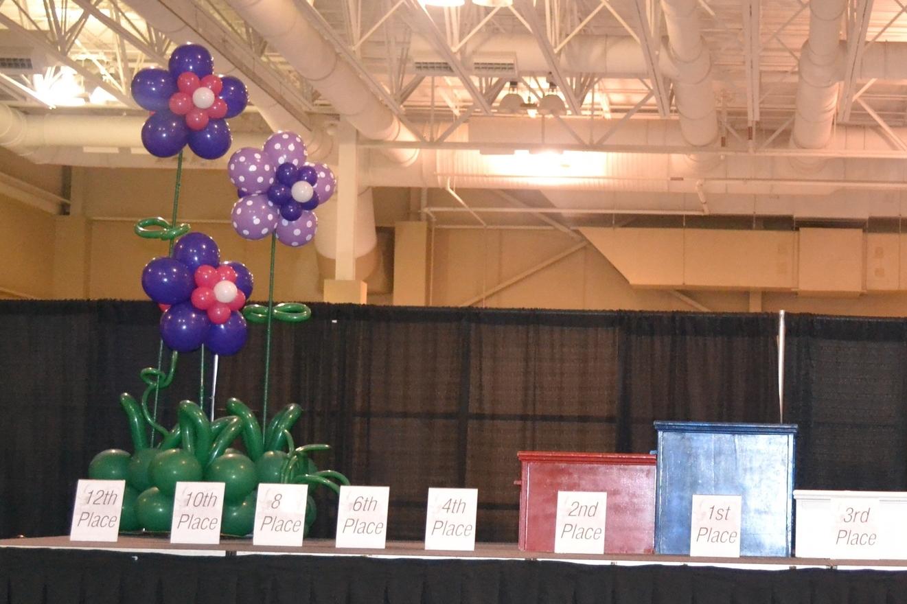 Stage Flower Balloon Garden.jpg