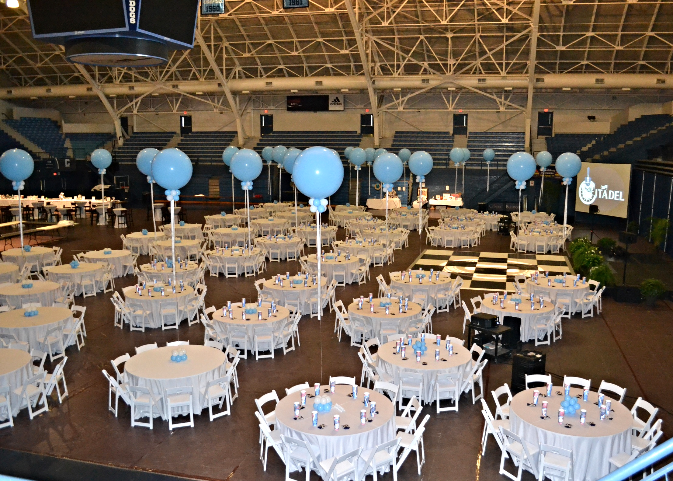 Jumbo Balloon Centerpieces
