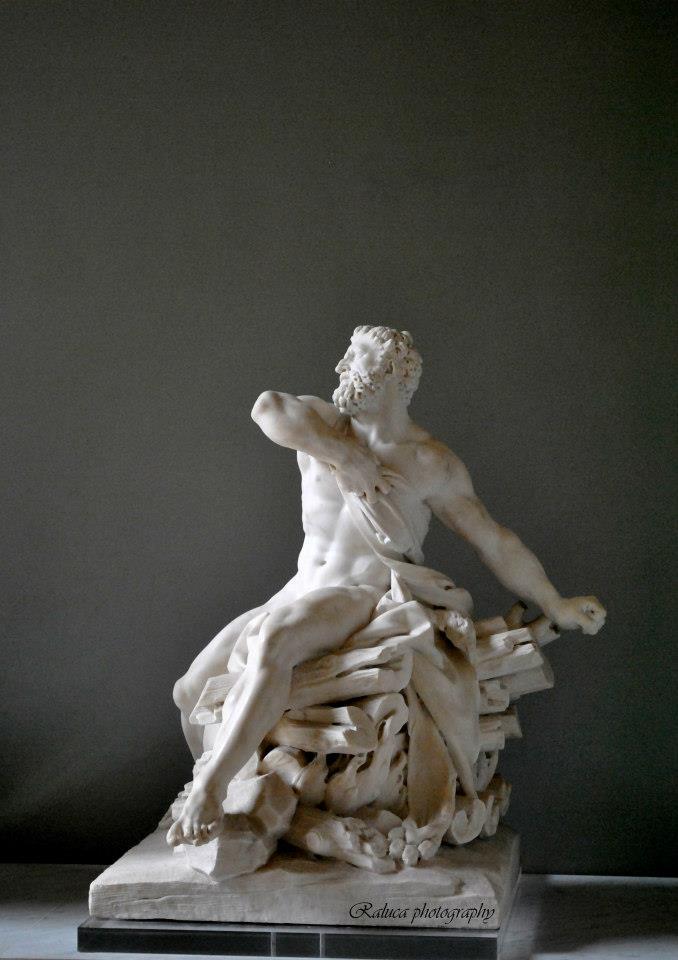 White Sculpture ©Detail Movement