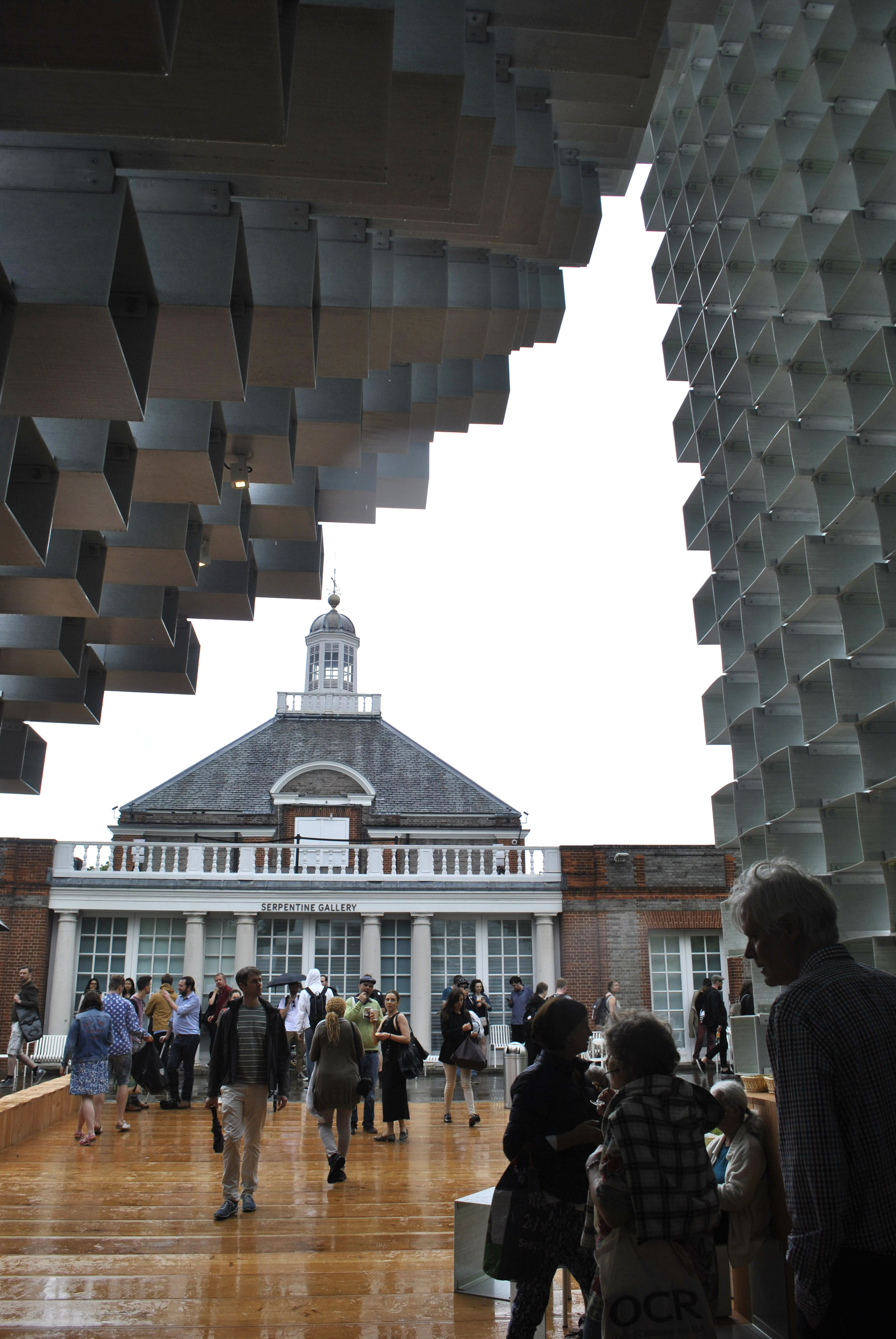 ©Detail Movement - Serpentine Gallery from inside the pavilion