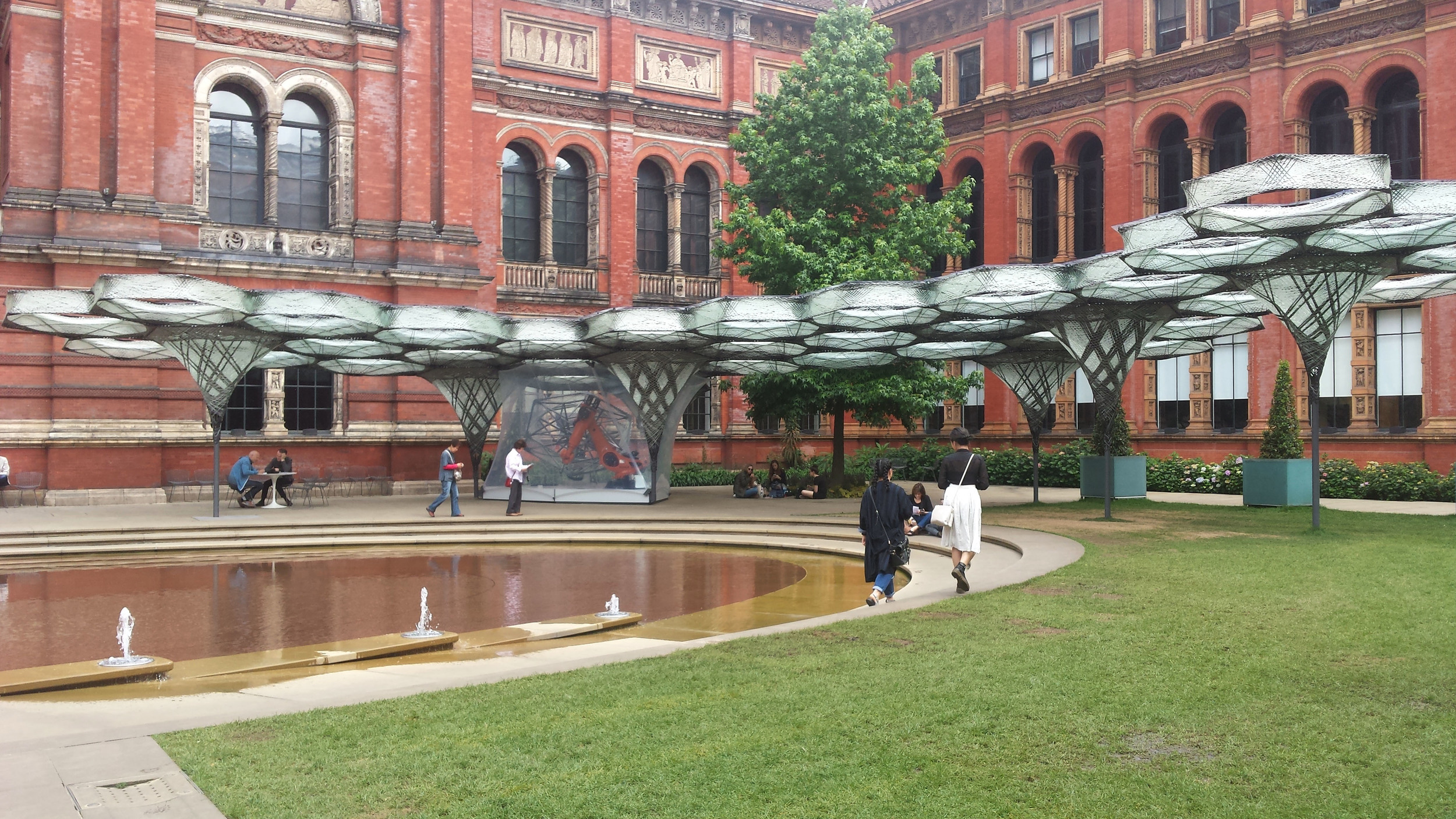 Elytra Filament installation - V&A. picture by ©Detail Movement