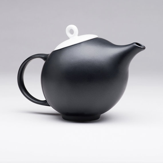 MaiaMing Design - EVA Elegant black matte teapot with white lid
