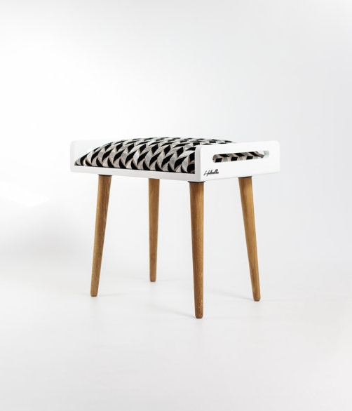 Habitables - stool in white lacquer and oak legs