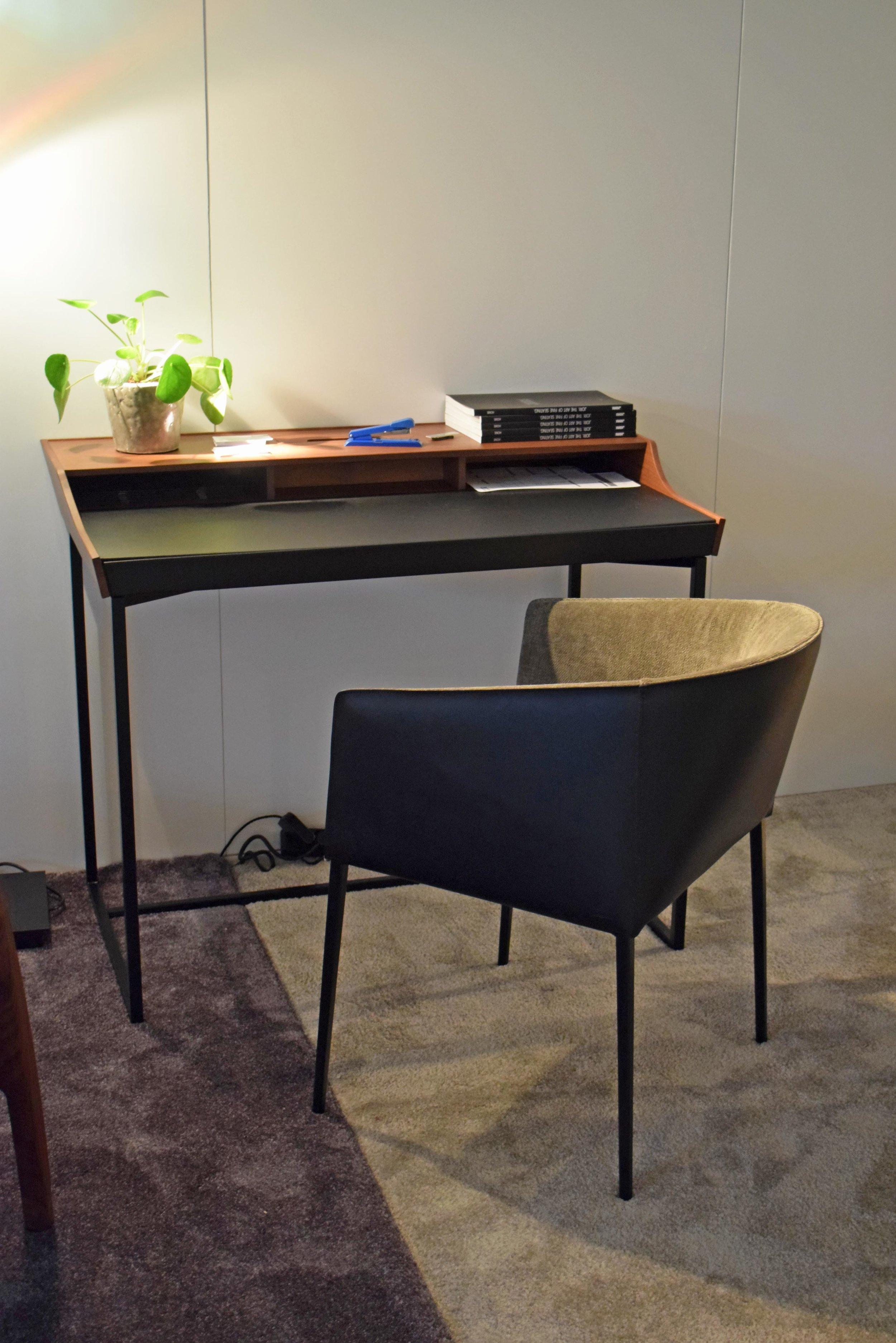 Hortense DeskDesk by Jori ©Detail Movement