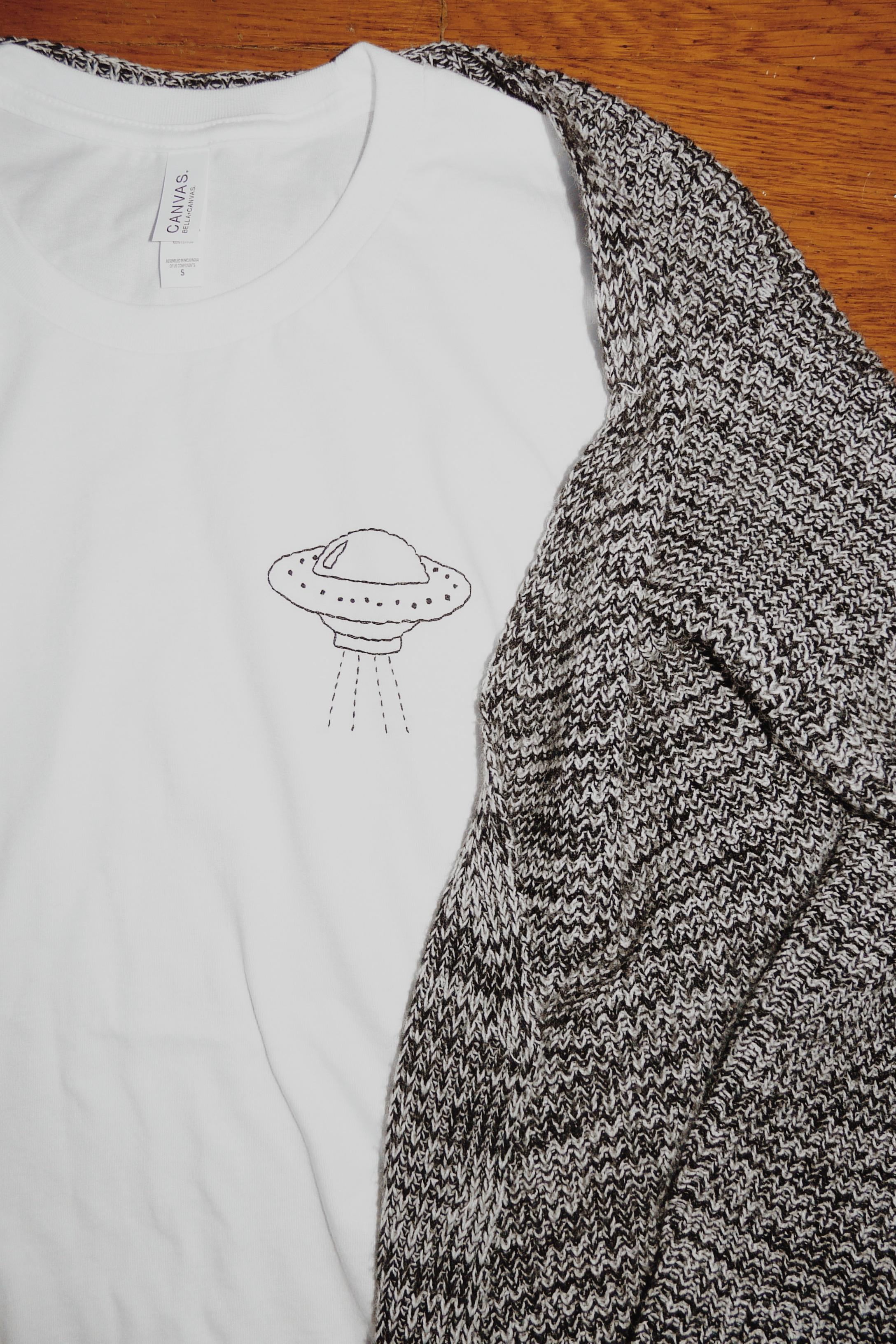 Packing Blog UFO t-shirt