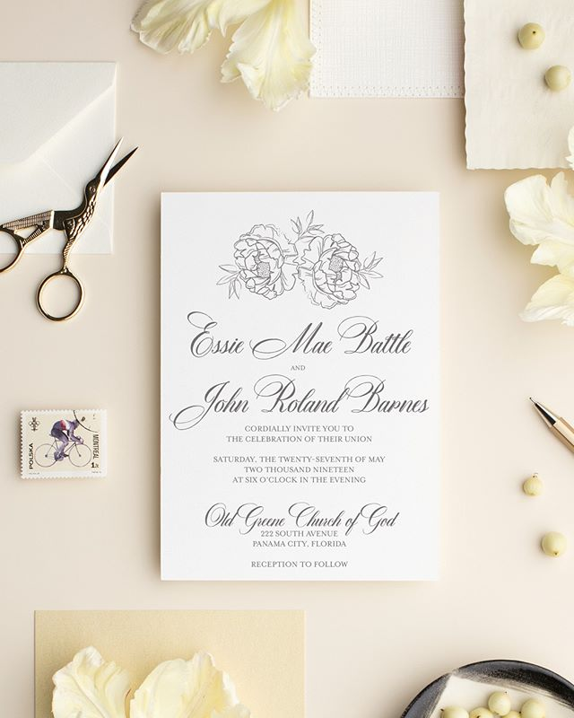 Meet Penned. 😍 #lovekenedie #weddingcollection #invitationsuite #weddingstationery #weddinginvitations #paperlove #panamacitybride #blackbrides #panamacityweddings