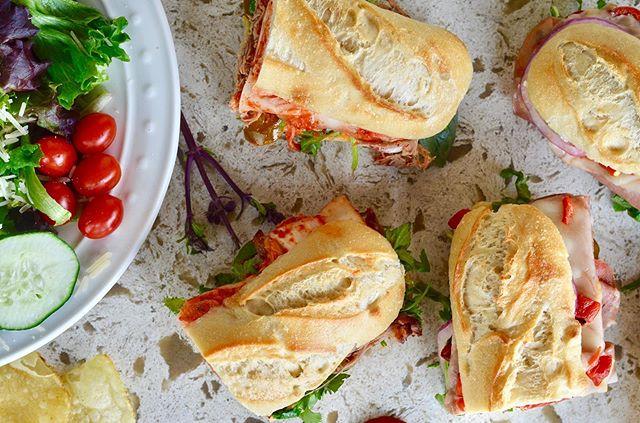 A beautiful gourmet ballet👯♂️🌶👯♂️ #litlpepper —————————————————————————— #yelpsandiego #sandiego #sd #bestofsd #bestfoodsandiego #sandiegorestaurants #deli #lunch #sandiegofood #sandiegocatering #catering #yum #foodgasm #corporatecatering #hungry #sandiegoliving