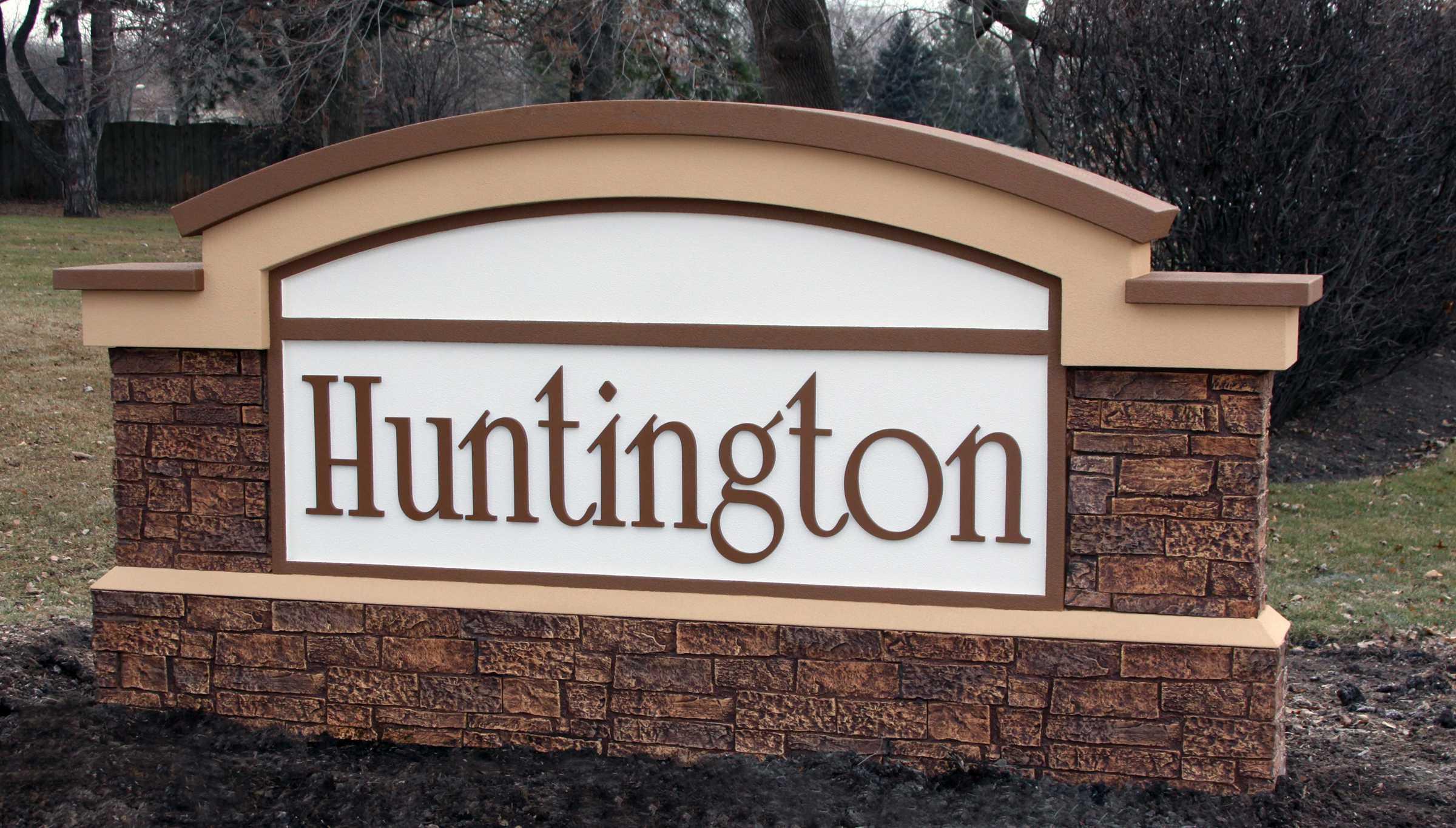 Huntington Monument.jpg