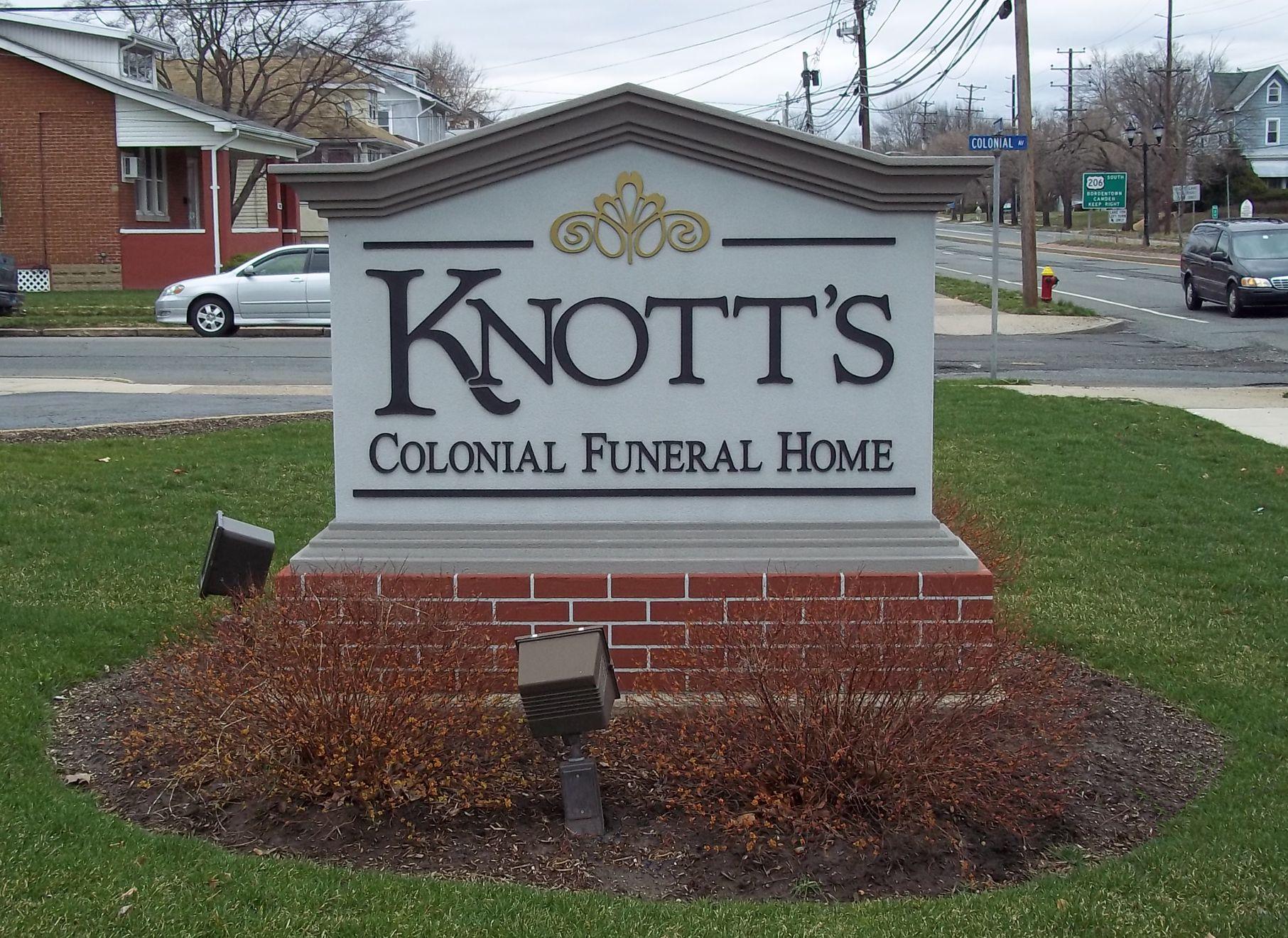 Knotts.jpg