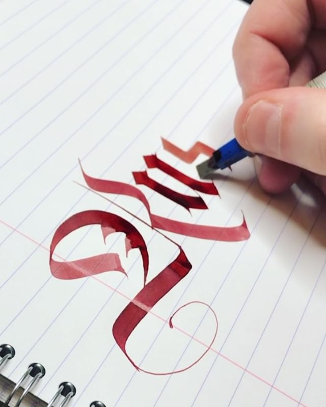 Rush 🧔🏼 . Calligraphy with a Pilot Parallel pen using a special mix of red inks . #decalex #calligraphy #parallelpen