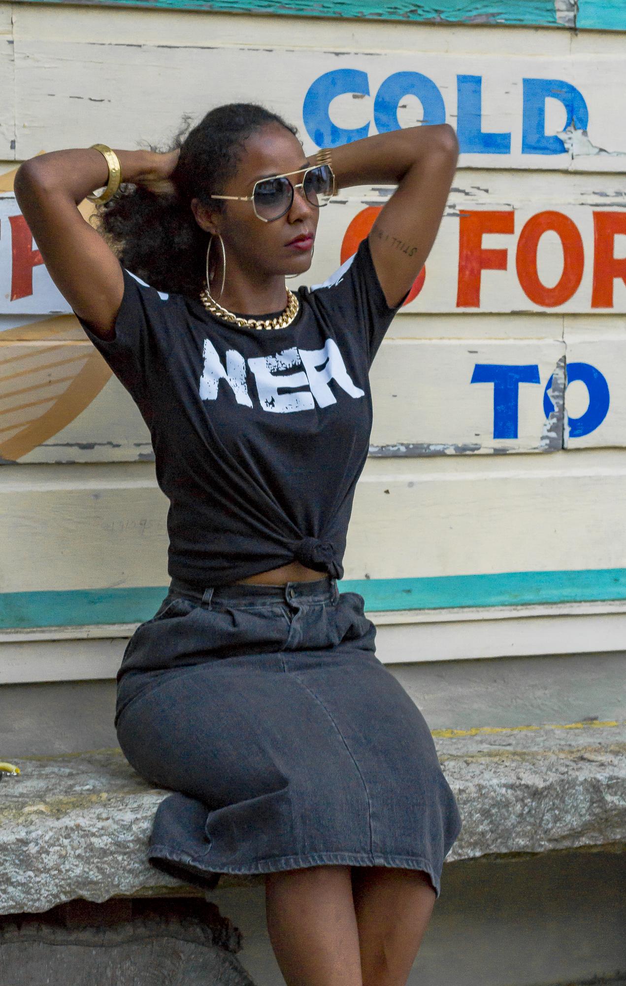 Stuzo Her T-shirt