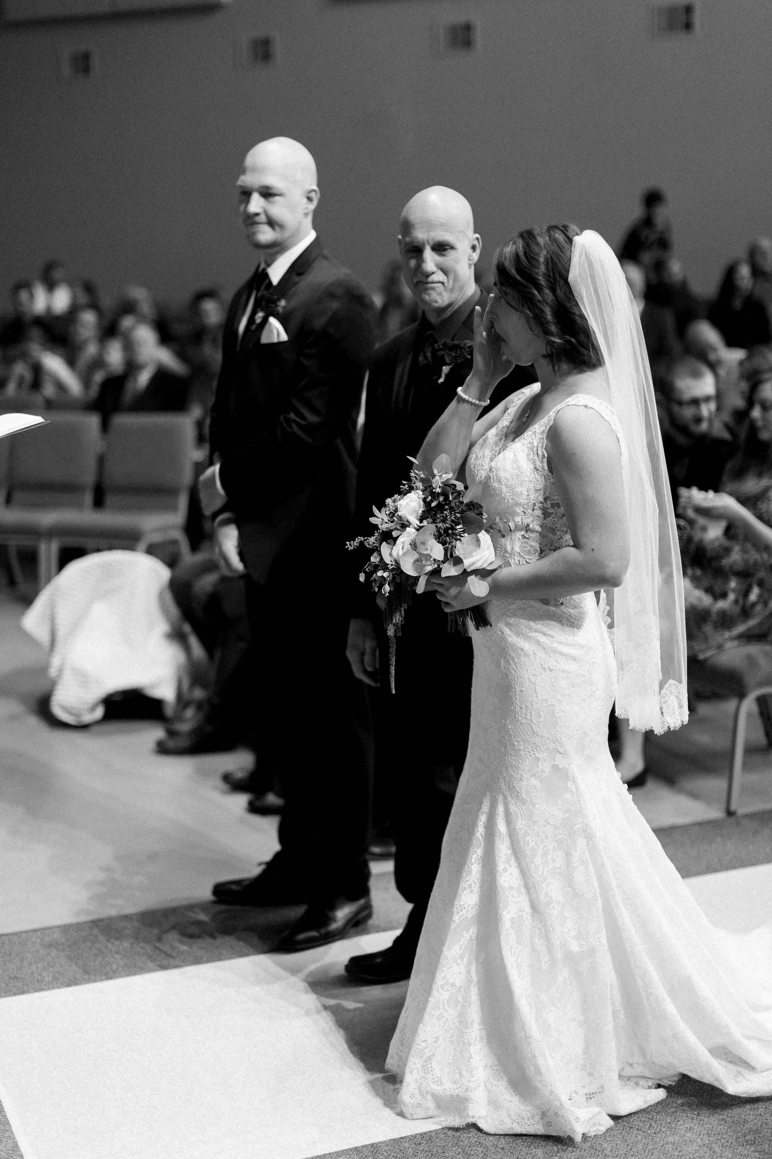 Abigail Berge Photography_KnudtsonWedding-604.jpg