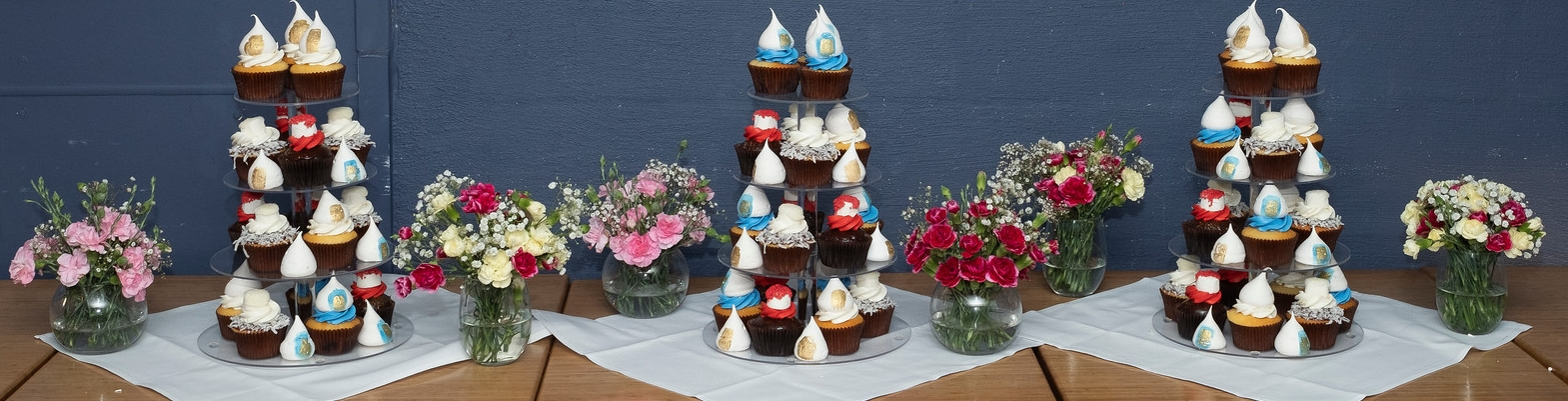 Wedding Cup Cakes .jpg