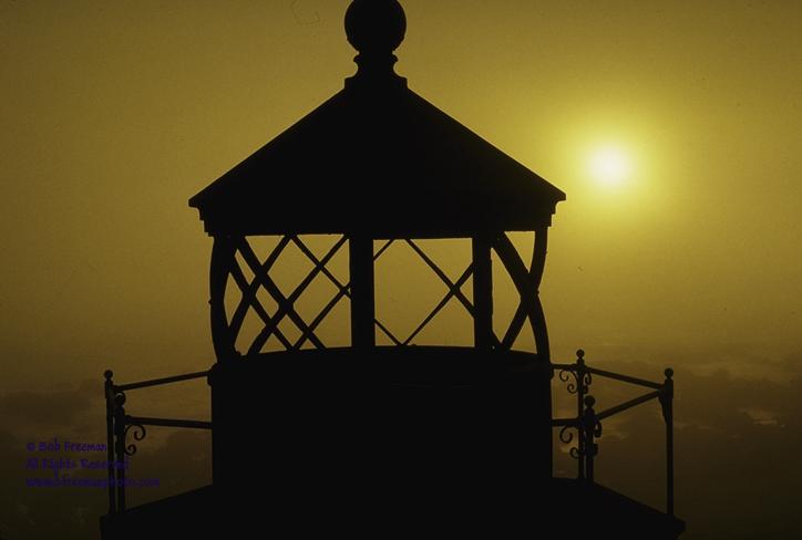 Lighthouse, Putna Gorda © Bob Freeman