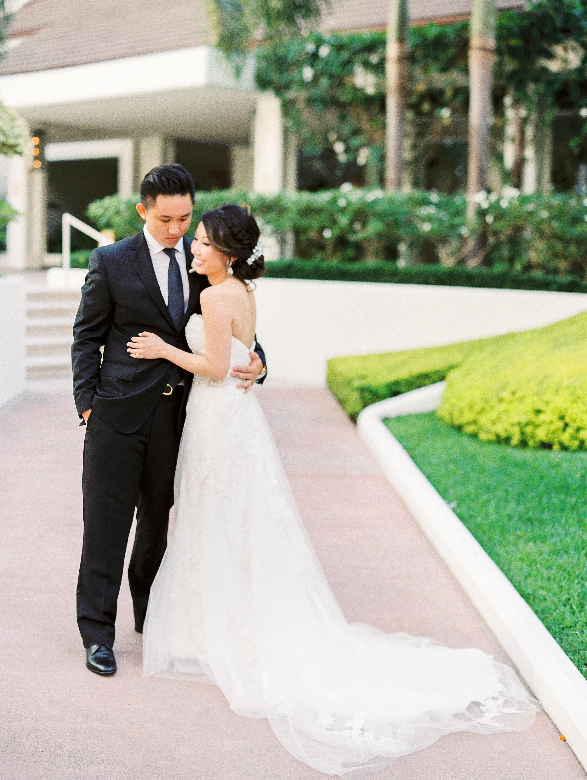 Halekulani Hawaii Wedding Photo_0014.jpg