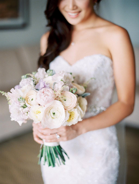 hawaii-bridal-dreamy-bouquet.jpeg