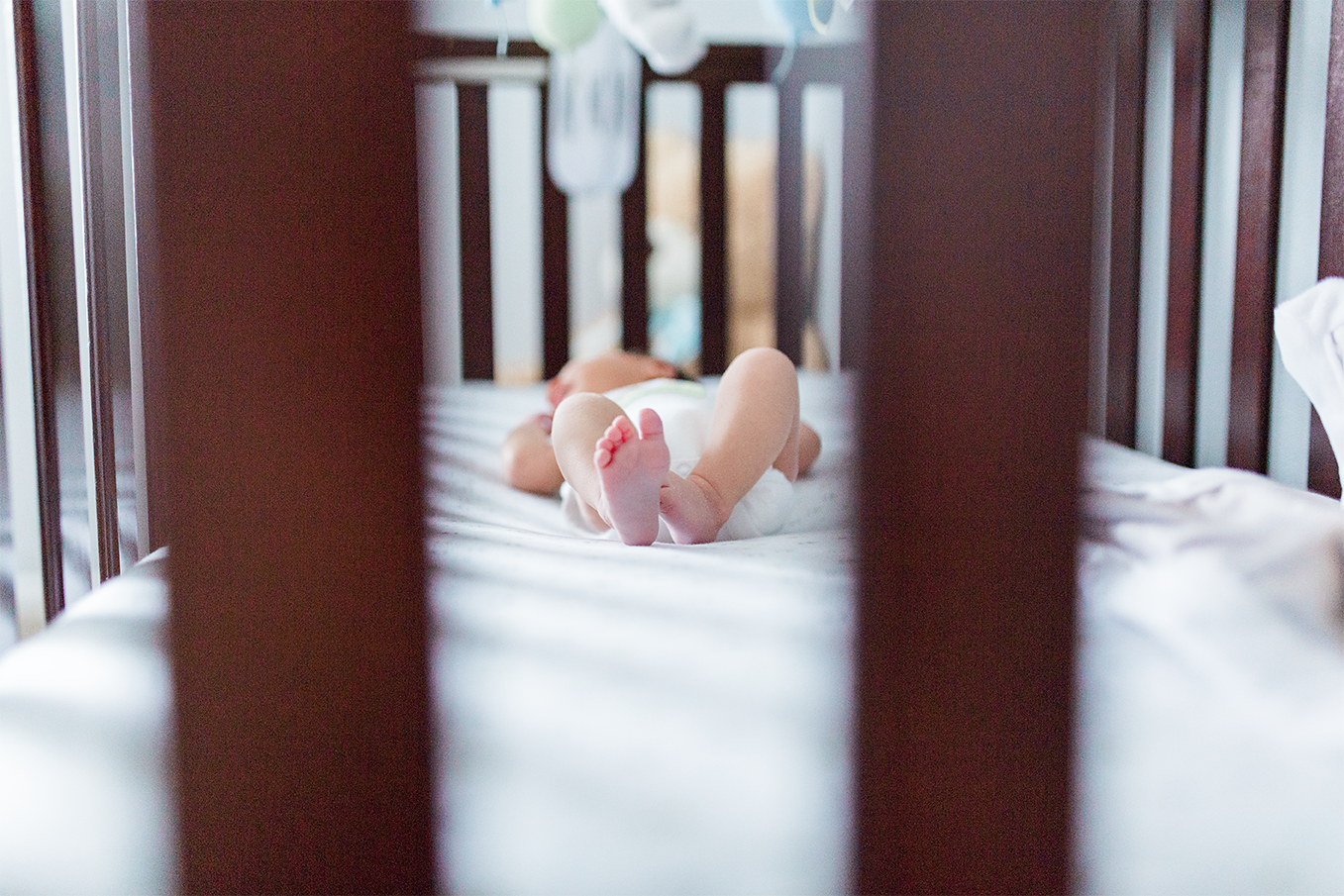 Baby toes | Lifestyle newborn photography in Jacksonville, FL and Ponte Vedra