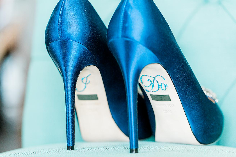 heels by badgley mischka