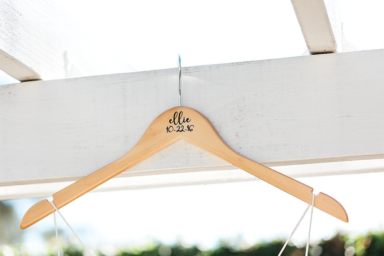 bride's hanger_wedding details.png