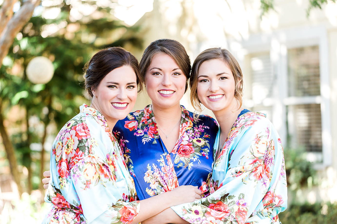 sisters getting ready for the wedding_wedding photographer jacksonville fl.png