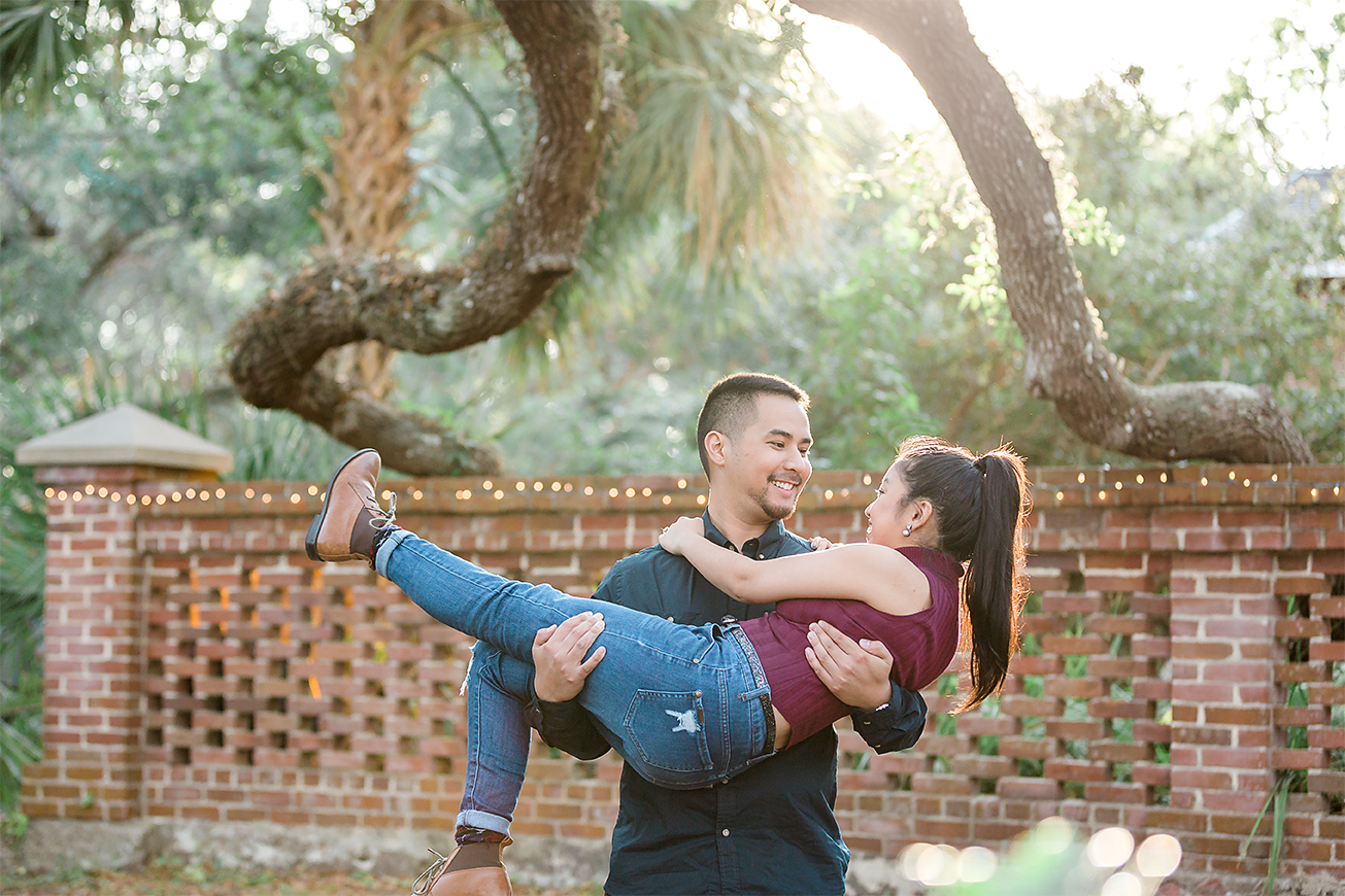 engagement pictures in the lighthouse in st.augustine