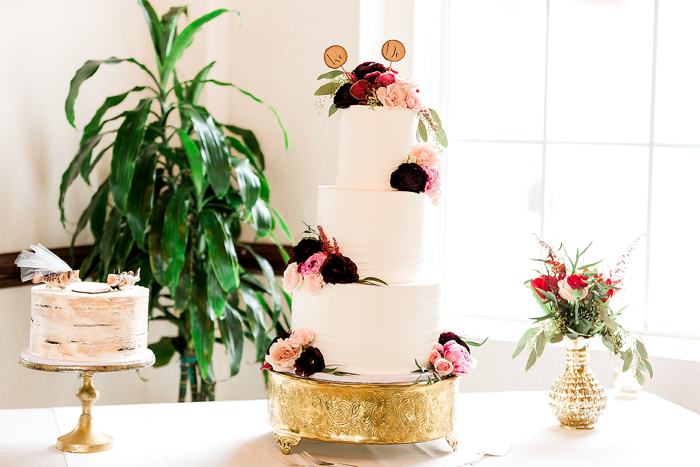 wedding cakes by Alleycakes Bakery
