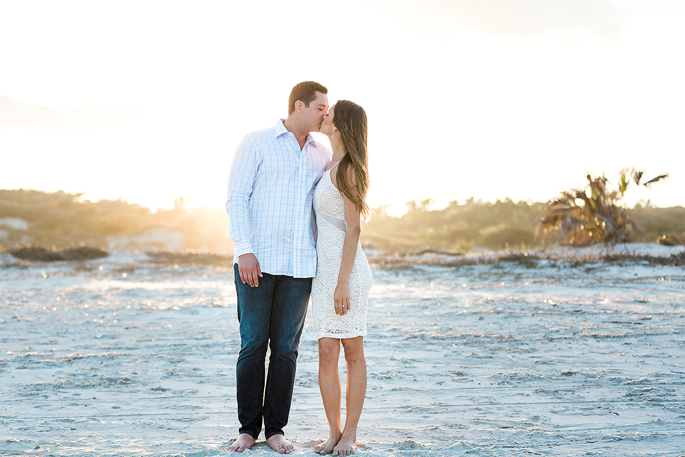 beach picture ideas with a couple