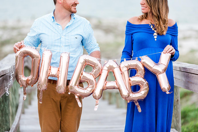 beach maternity photoshoot in Jacksonville