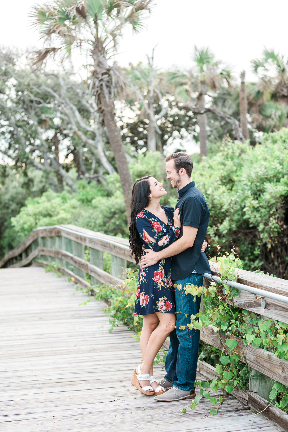 couple engagement pictures in jacksonville fl