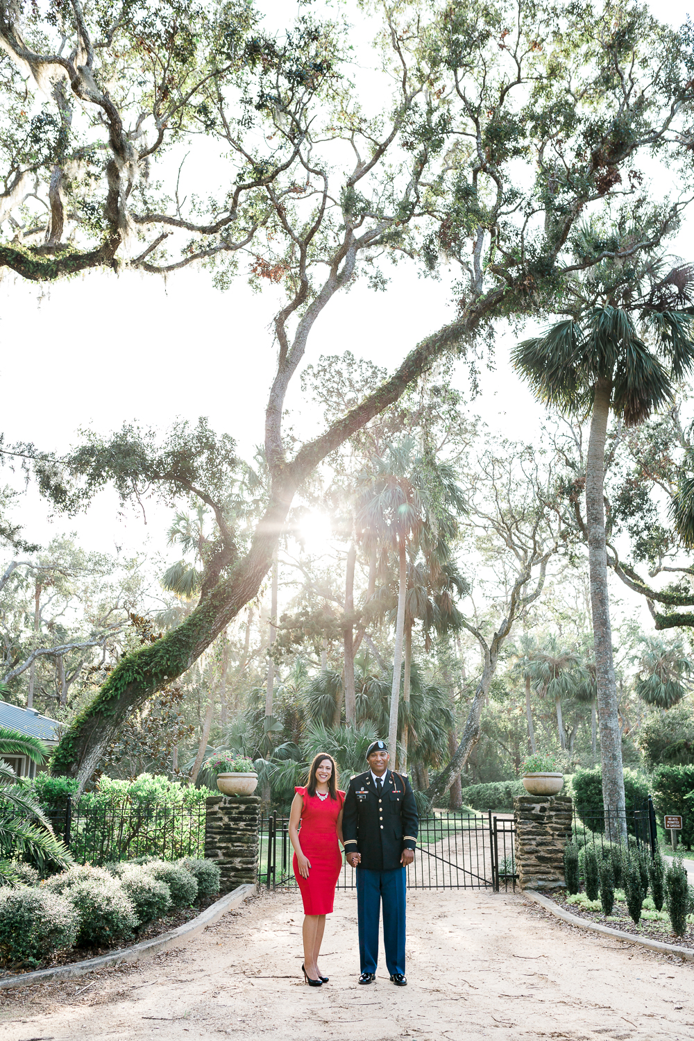 sunset engagement pictures in washington oaks gardens