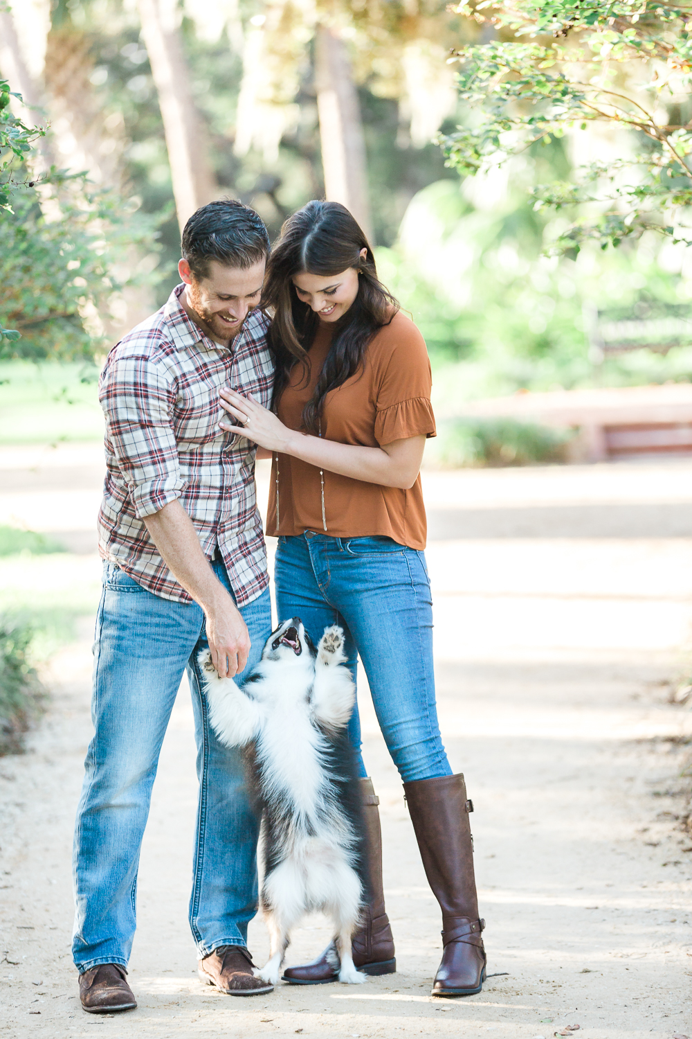 engagement pictures with a dog