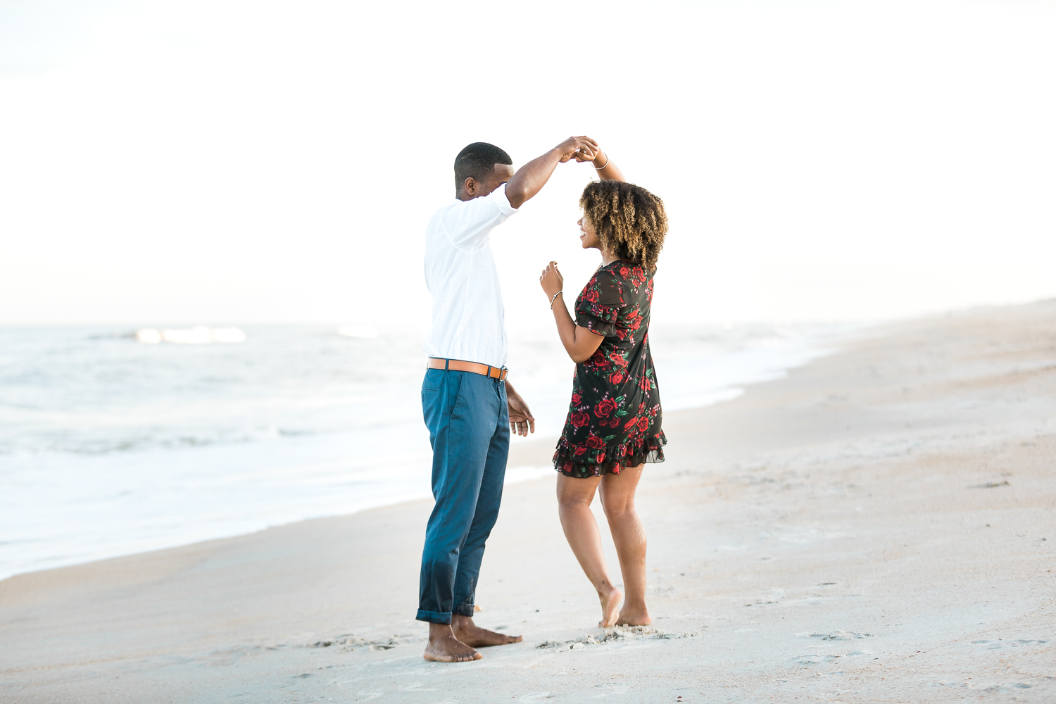 beach engagement pictures in ponte vedra