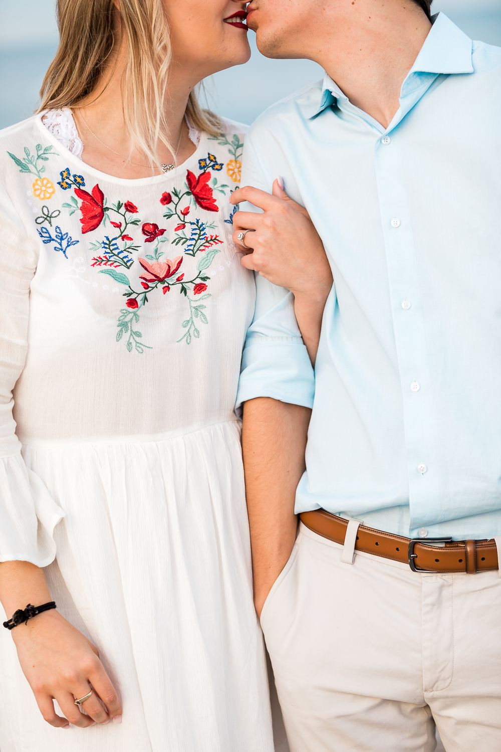 engagement picture posing ideas