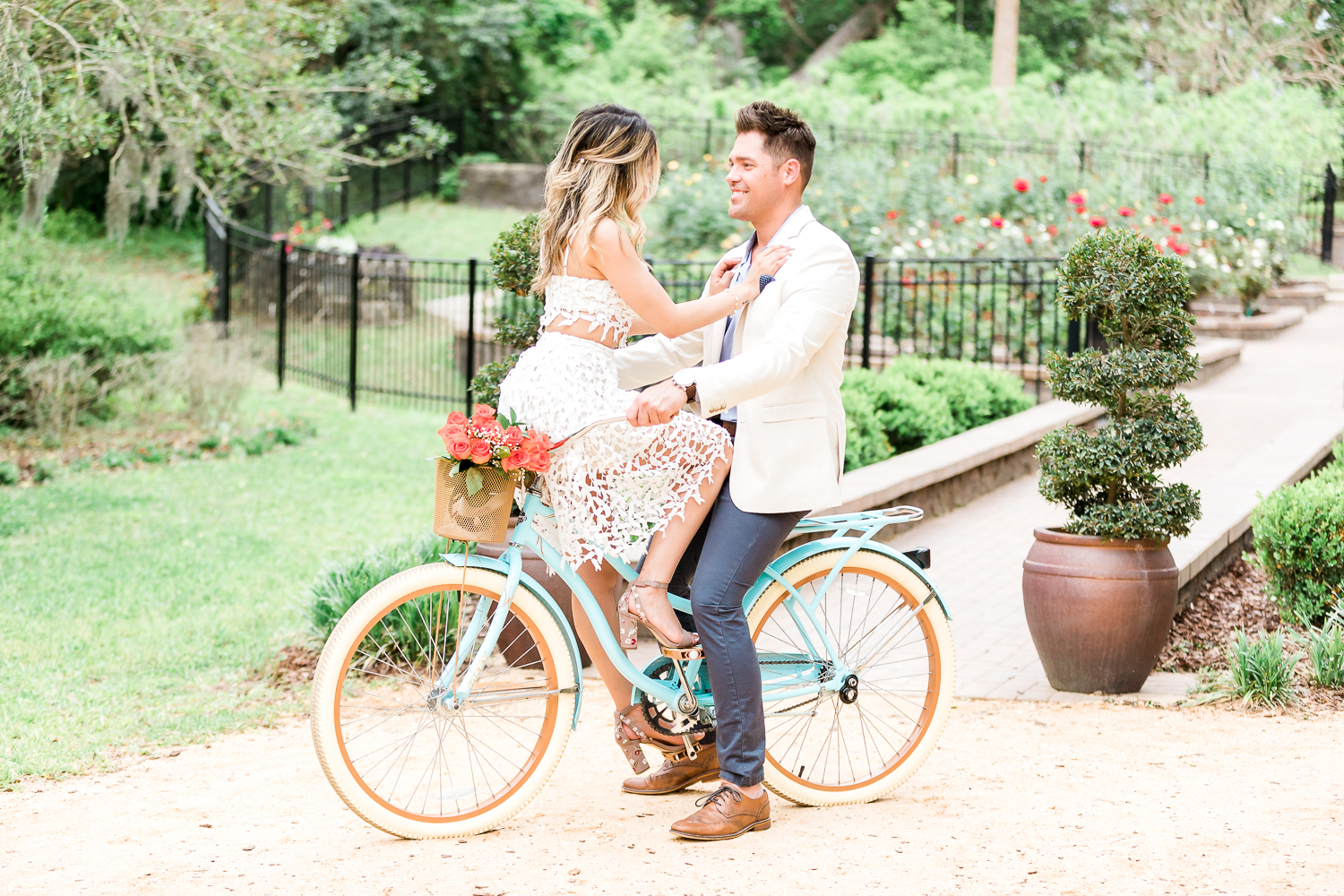 Engagement pictures with a beach cruiser