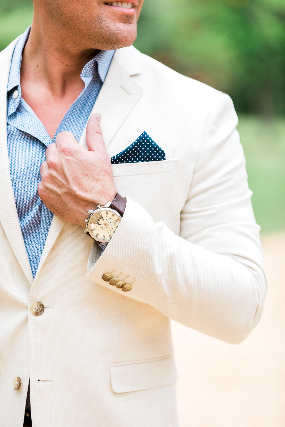 How to dress for engagement pictures