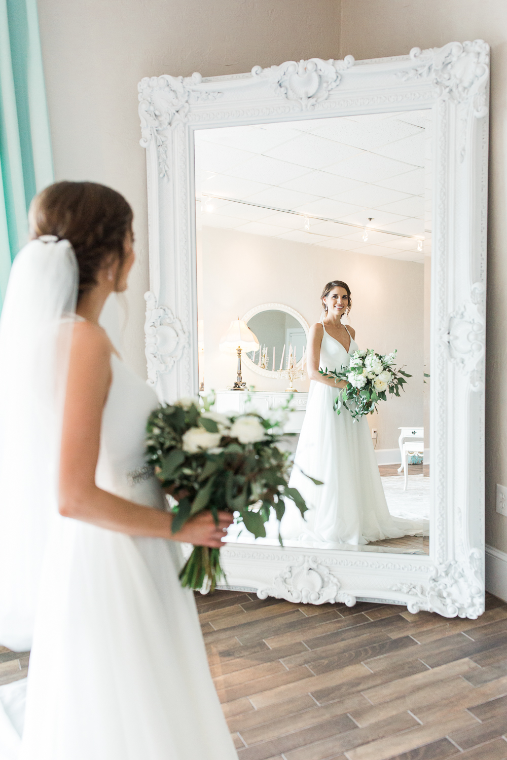 Bride in the white room, St.Augustine